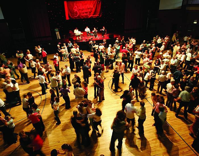 Social Dancing - Hobby Holidays